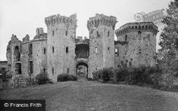 Raglan, Castle, Grand Front Entrance 1931