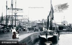 Ramsgate, The Harbour Crosswall 1907