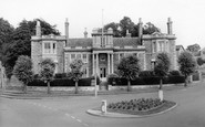 Raunds, the Hall c1955