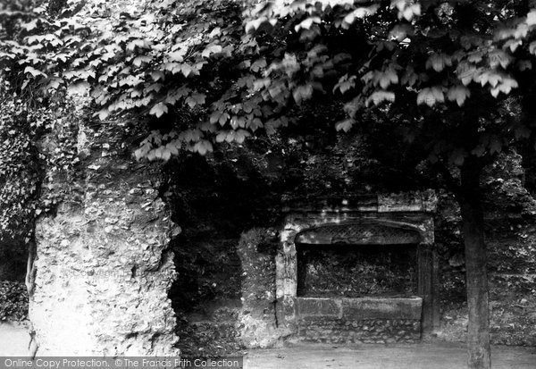Reading, Abbey Ruins Tomb 1890