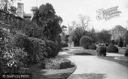 Forbury Gardens 1896, Reading