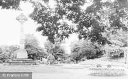 Reading, Forbury Gardens c.1955