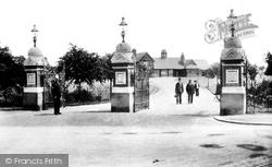 Palmer Park 1904, Reading