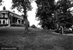 Prospect Park 1912, Reading