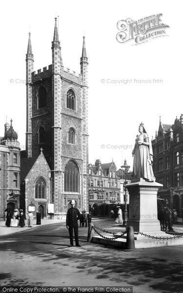 Reading, Queen Victoria's Statue 1904