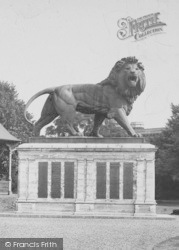 Reading, The Maiwand Memorial c.1920