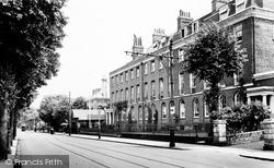 University College 1912, Reading