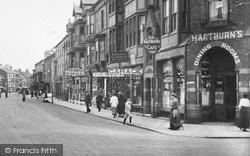 Redcar, Queen Street, Hartburn's Café 1913