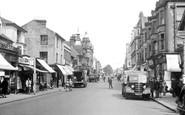 Redhill, High Street c.1950