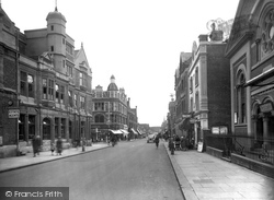 Redhill, London Road 1936