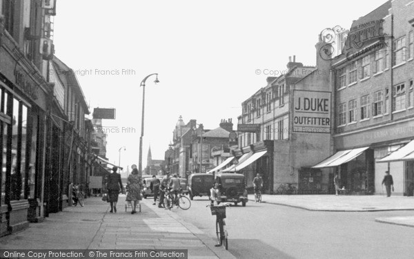 Redhill, London Road, c.1955. Reproduced courtesy of The Francis Frith Collection