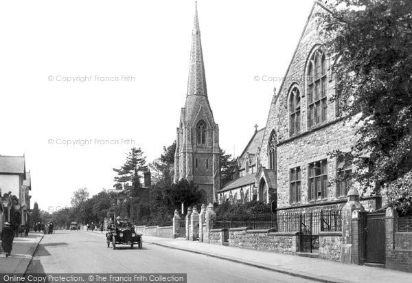 Redhill, St Matthew's Church, 1919. Reproduced courtesy of The Francis Frith Collection