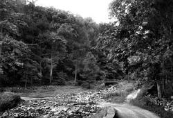 On Bolton Road 1909, Redmire