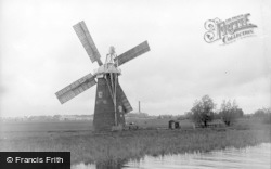 Reedham, The Old Mill And Cantley Sugar Factory c.1931
