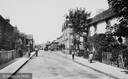 Reigate, Holmesdale Road 1910