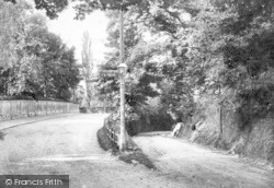Reigate, Park Lane, Entrance To South Park 1906