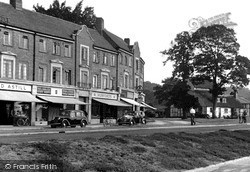 Reigate, Western Parade And The Angel c.1955