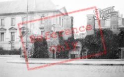 A War-Shattered House c.1935, Reims