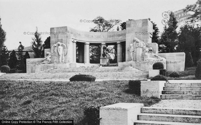 Photo of Reims, War Memorial c.1935
