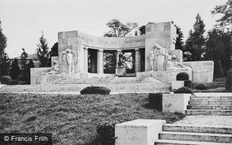 Reims, War Memorial c1935