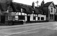 Repton, Thatched Cottages c1955