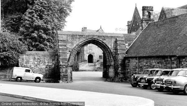 Photo of Repton, The Arch, Repton School c.1960