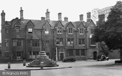The Old Mitre c.1950, Repton