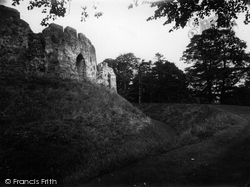 Castle And The Moat 1931, Restormel