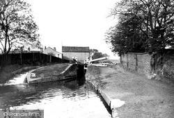 Chesterfield Canal c.1955, Retford