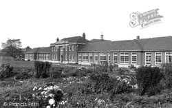 Sir Frederick Milner School c.1955, Retford