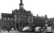 Retford, Town Hall and Memorial 1954