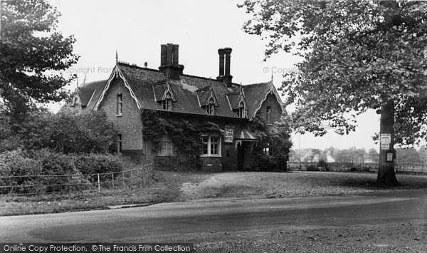 Photo of Revesby, Red Lion Hotel c.1955