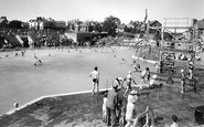 Rhos-on-Sea, Bay of Colwyn Swimming Pool c1955