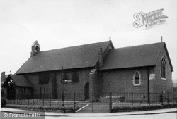 Rhosllanerchrugog, St David's Church c.1955