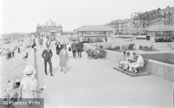 Rhyl, Promenade c.1935