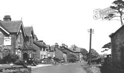 Riddlesdown, Black Bull Hotel c.1955