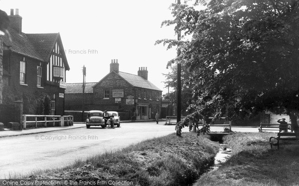 Rillington, the Crossroads c1960