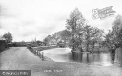 Ringwood, The Fish Inn And Bridge 1890