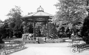 Ripon, The Bandstand, Spa Gardens c.1960