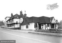 Riverhead, Amherst Arms Hotel c.1955