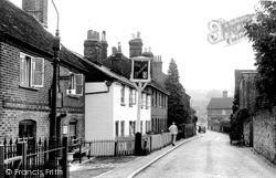 Riverhead, The Beehive Inn c.1950