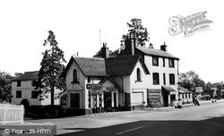 Jan's Folly c.1965, Road Weedon