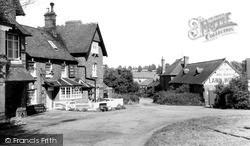 The New Inn c.1965, Road Weedon