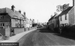 Robertsbridge, High Street c.1960