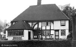 Robertsbridge, Old Houses c.1955
