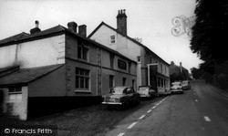 Roche, Commercial Hotel c.1965