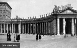 Piazza San Pietro, Bernini's Colonnades c.1930, Rome