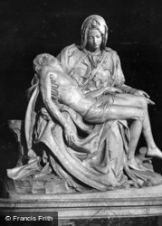 St Peter's Basilica, Michelangelo's Pietà c.1930, Rome