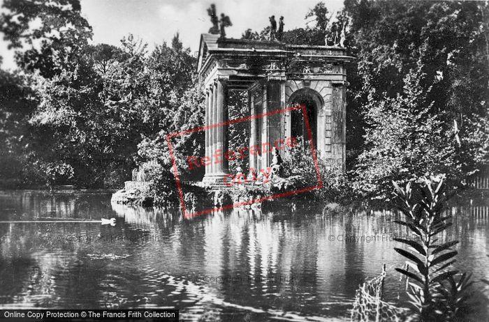 Photo of Rome, Villa Borghese, Gardens, Tempio Di Esculapio c.1930