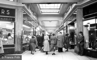 Romford, Quadrant Arcade c1950